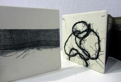Fil d'Ariane (livres d'artiste) porcelaine et papier. Gravure et monotype.