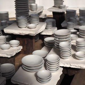 Détail – porcelaine et bois – detail – porcelain and wood
