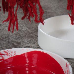 détail – Mécanique des fluides – Porcelaine émaillée rouge – detail Fluid mechanics. Red glazed porcelain